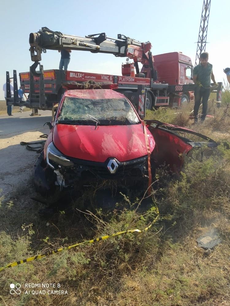 2020/10/songul-paksoy-trafik-kazasinda-hayatini-kaybetti-20201031AW15-7.jpg