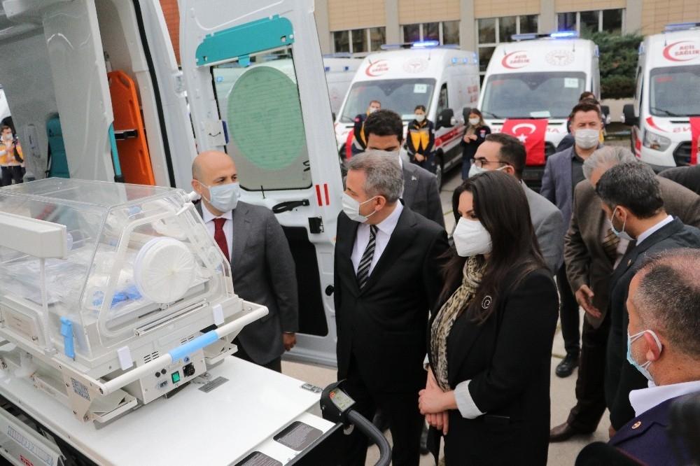2021/01/adanada-26-ambulans-torenle-hizmete-alindi-20210111AW21-2.jpg