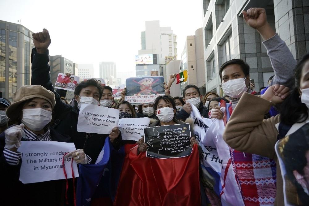 2021/02/askeri-darbe-japonyada-protesto-edildi-20210201AW23-2.jpg