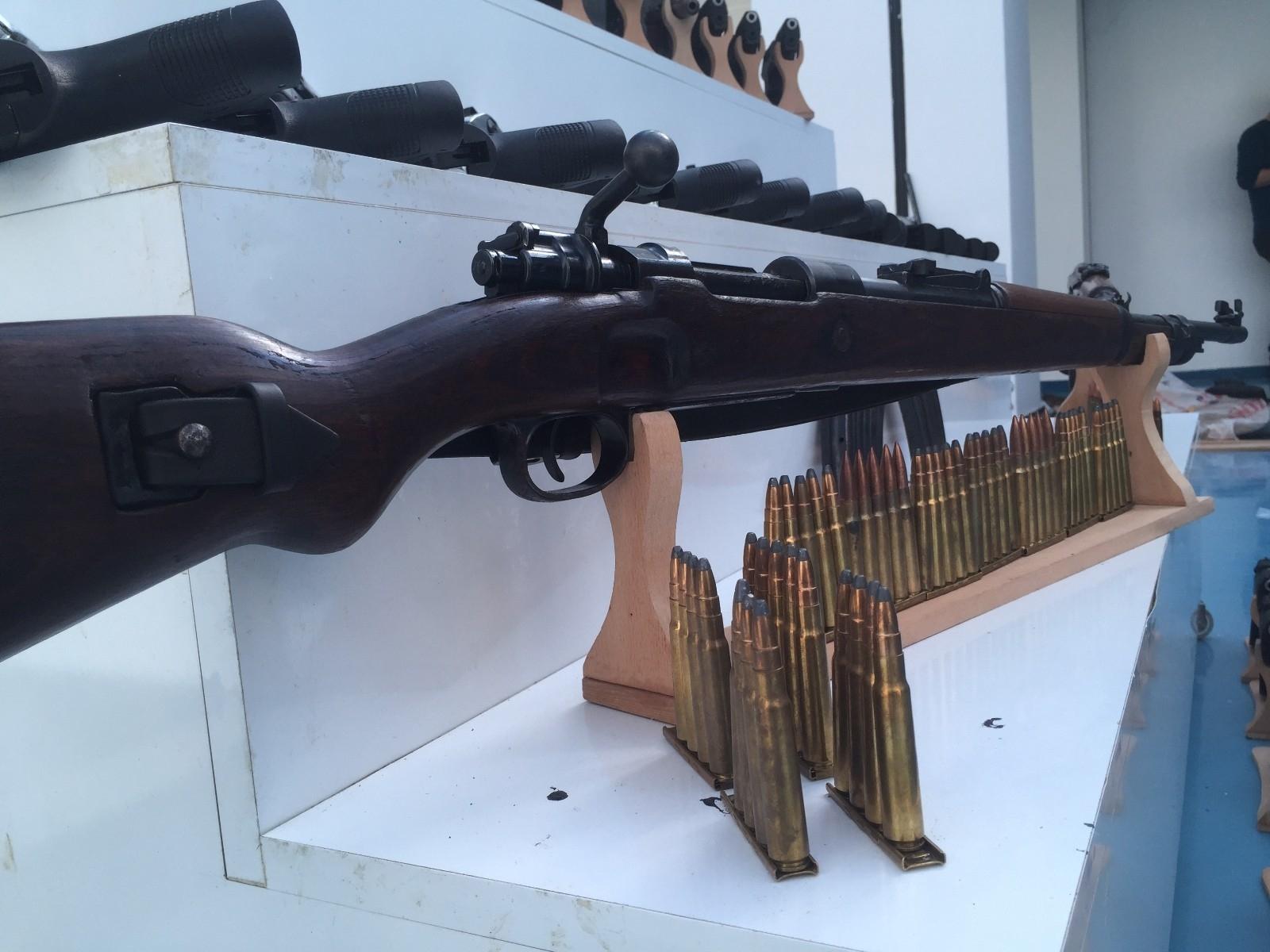 2021/04/silah-kacakciligi-operasyonu-20210427AW30-1.jpg