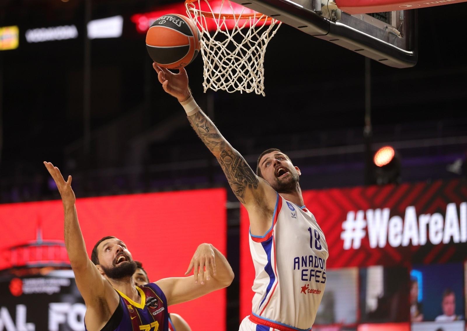 2021/05/basketbolda-avrupanin-en-buyugu-anadolu-efes-20210530AW33-2.jpg