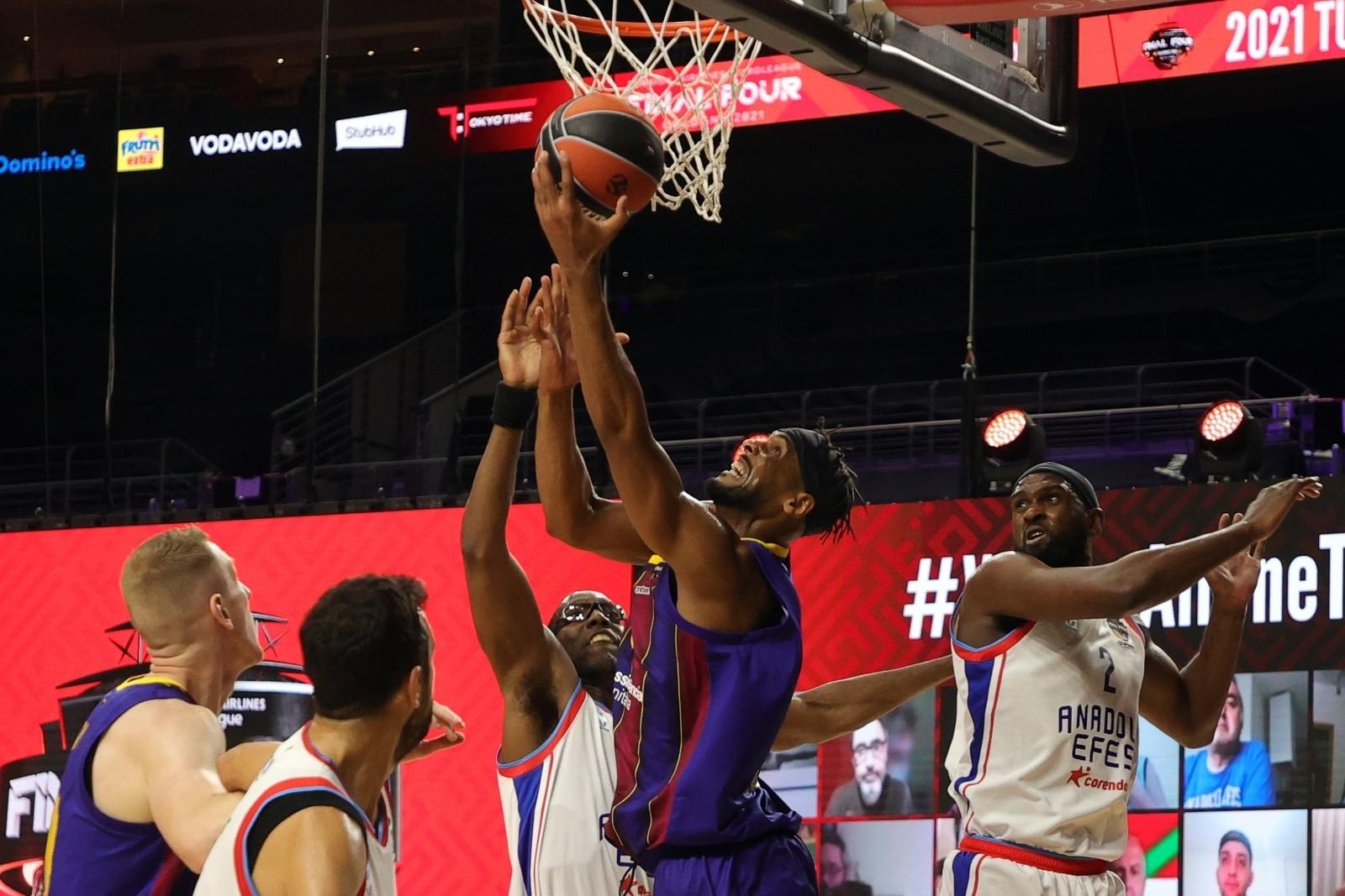 2021/05/basketbolda-avrupanin-en-buyugu-anadolu-efes-20210530AW33-3.jpg