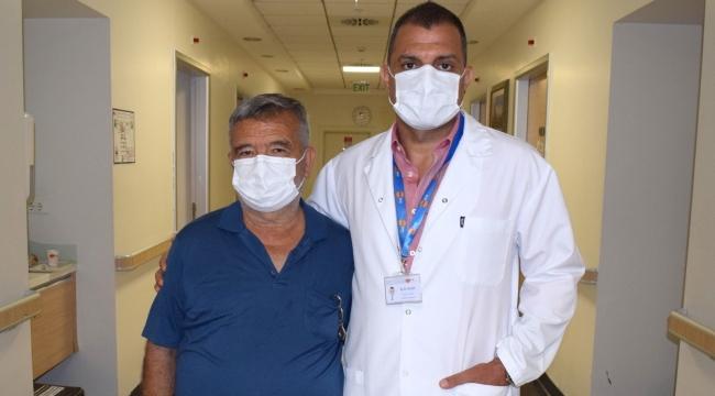 62 yaşındaki hastanın mesanesinden 139 adet taş çıktı