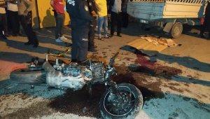 Adana'da motosiklet ile kamyonet çarpıştı: 1 ölü, 1 yaralı